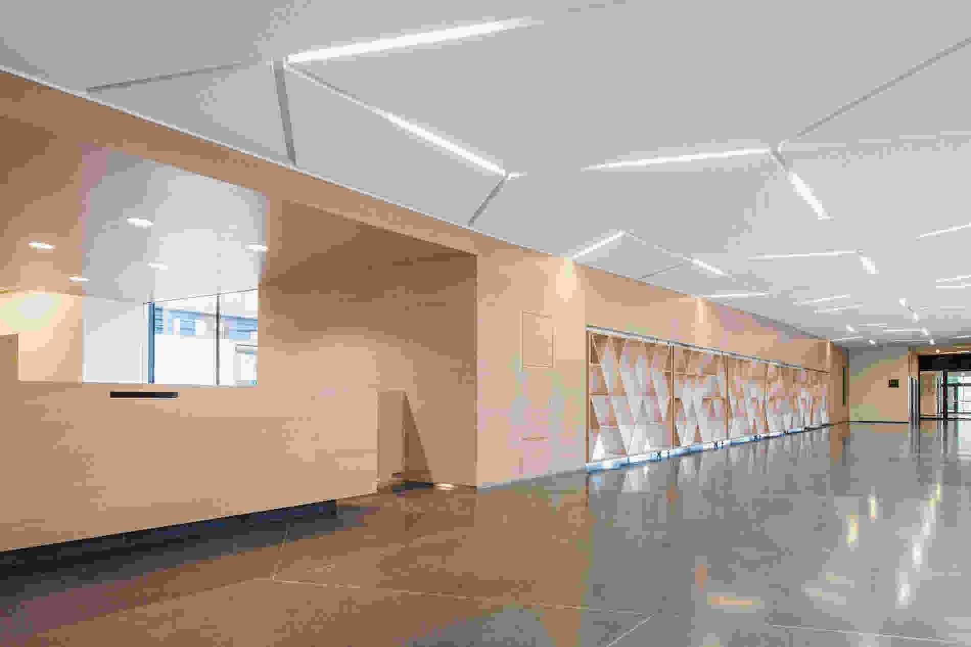 214 Geriatric Centre Donaustadt Herta Hurnaus 005 foyer wall