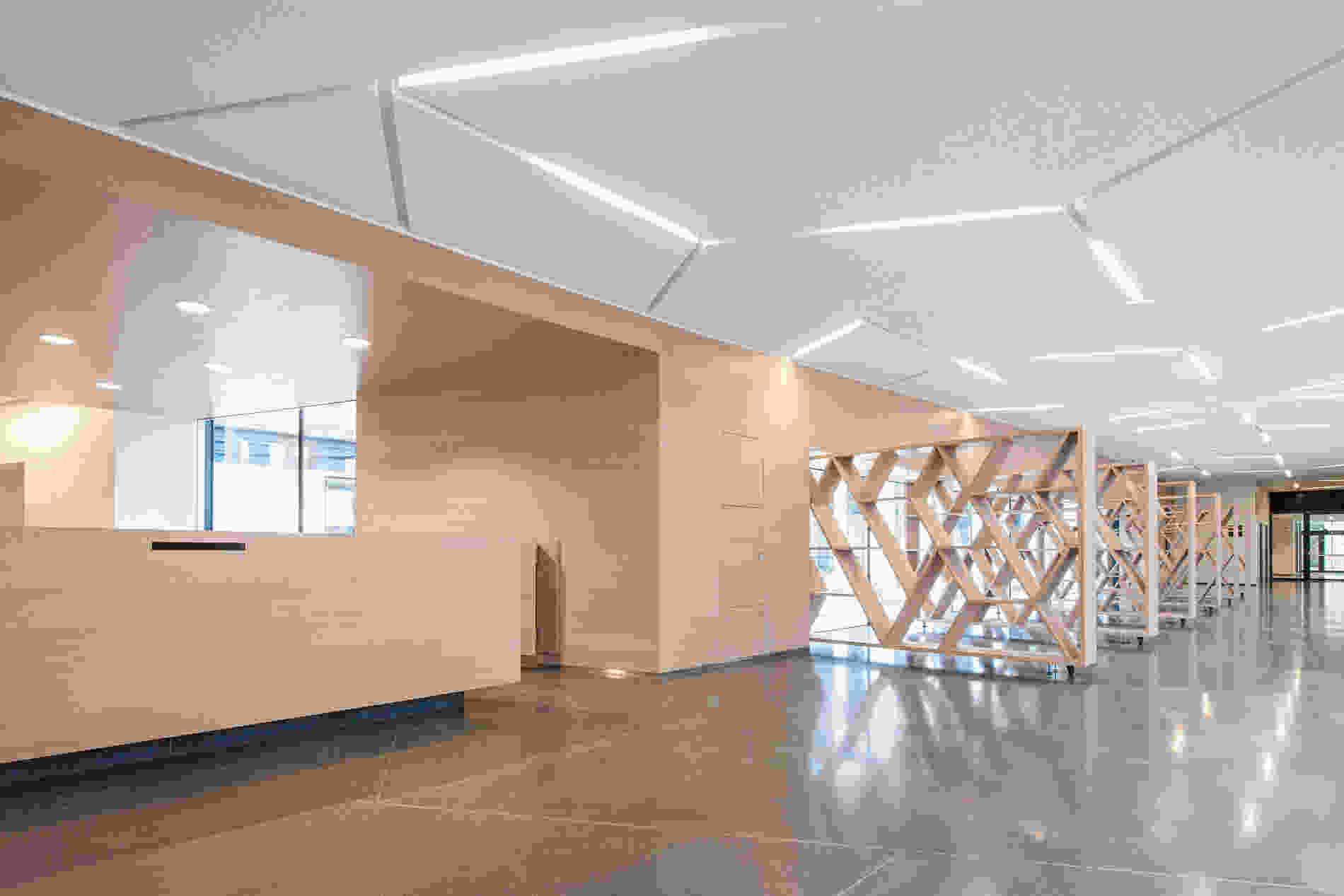 214 Geriatric Centre Donaustadt Herta Hurnaus 006 foyer wall