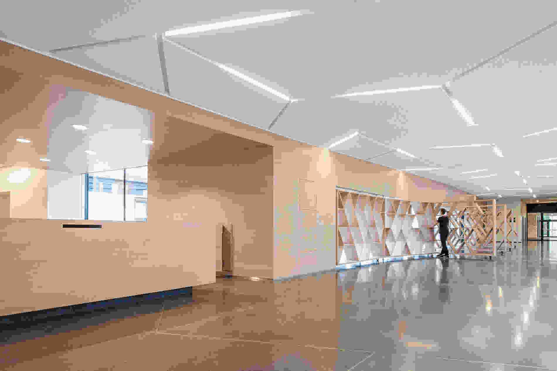 214 Geriatric Centre Donaustadt Herta Hurnaus 007 foyer wall