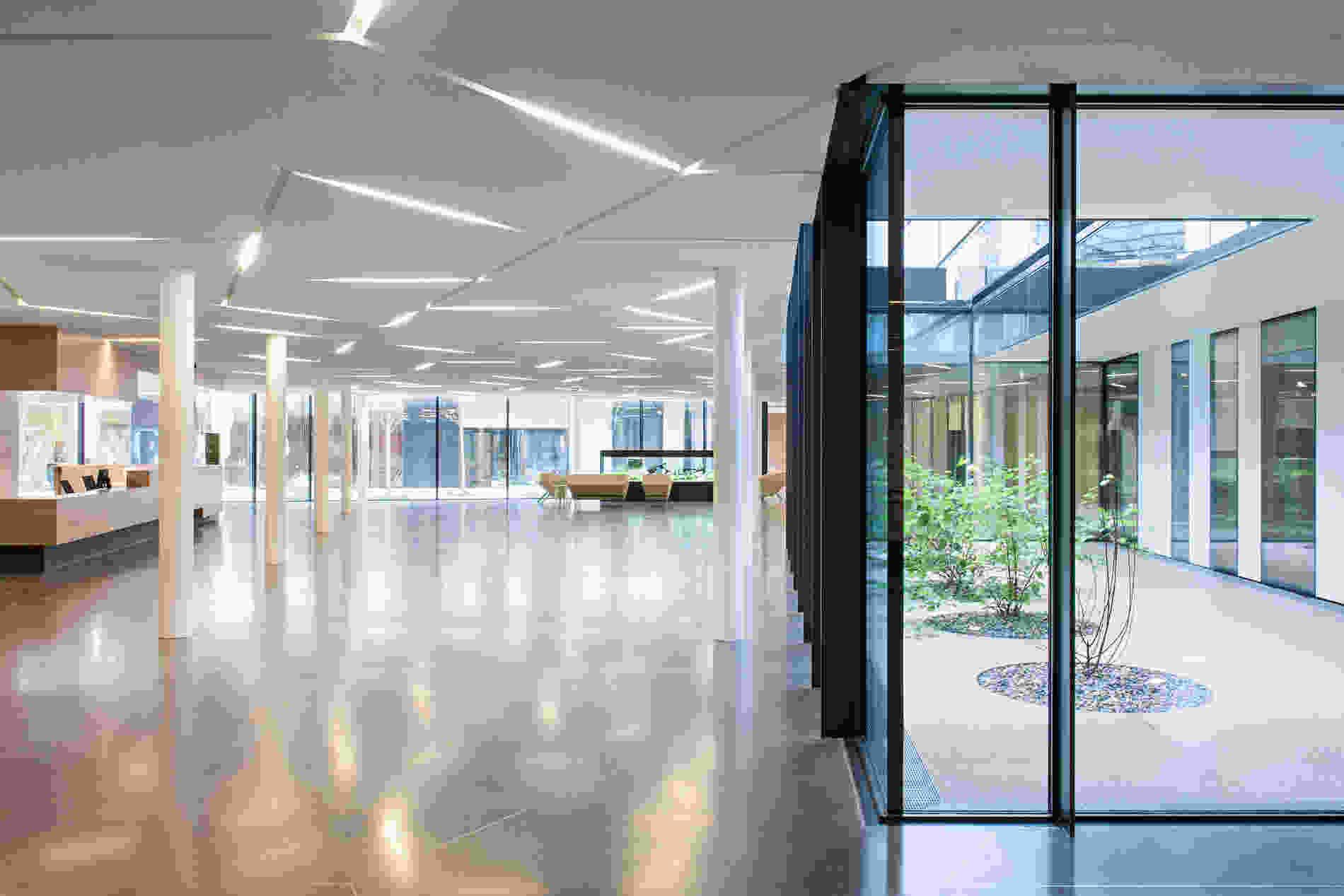 214 Geriatric Centre Donaustadt Herta Hurnaus 008 foyer